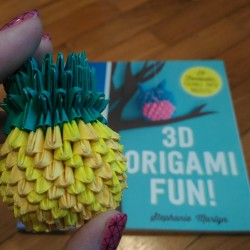 Review: 3D Origami Fun! 25 Fantastic, Foldable Paper Projects by Stephanie Martyn
